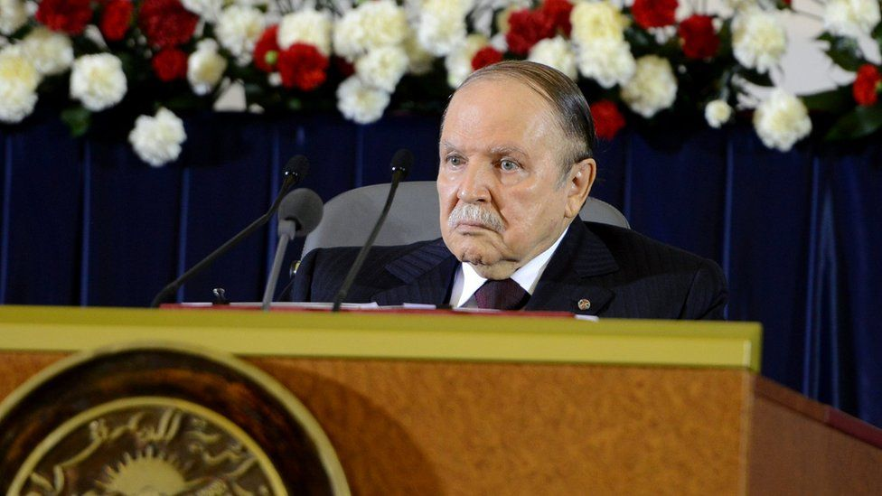 Bouteflika veut rester au pouvoir après l'expiration de son mandat