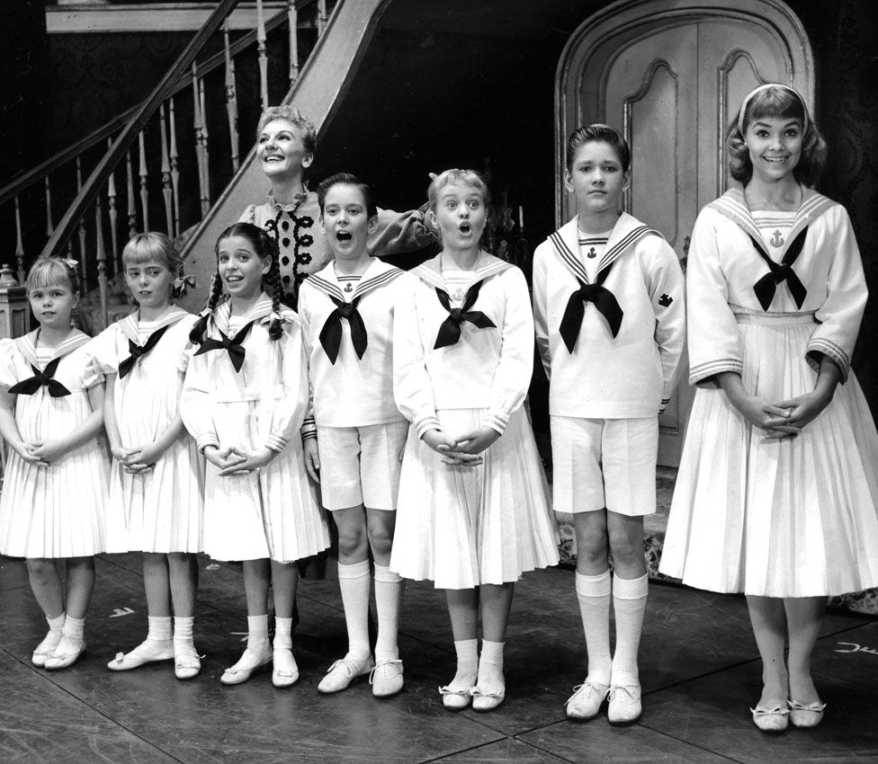 Mary Martin, Lauri Peters and the rest of the child cast of the original 1959 stage show.
