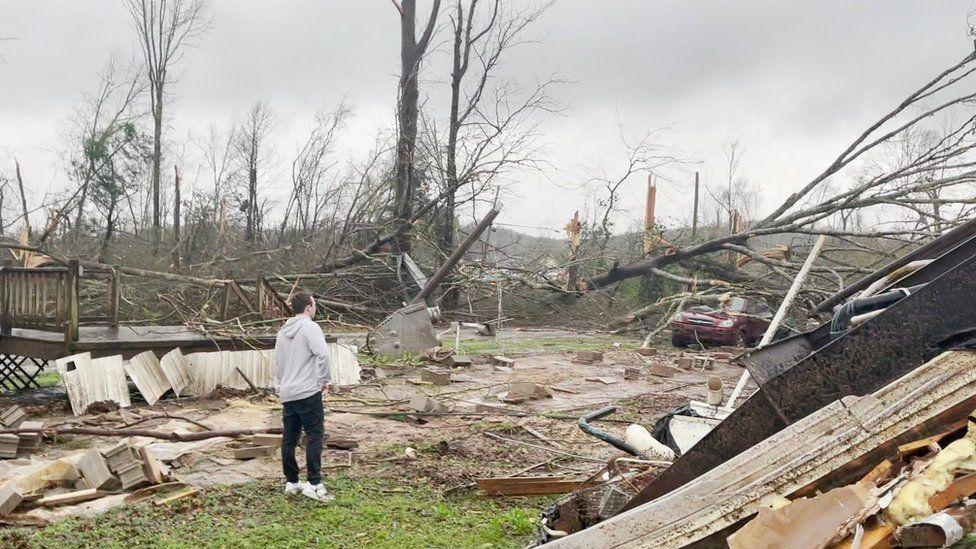Five Killed As Tornadoes Sweep Alabama