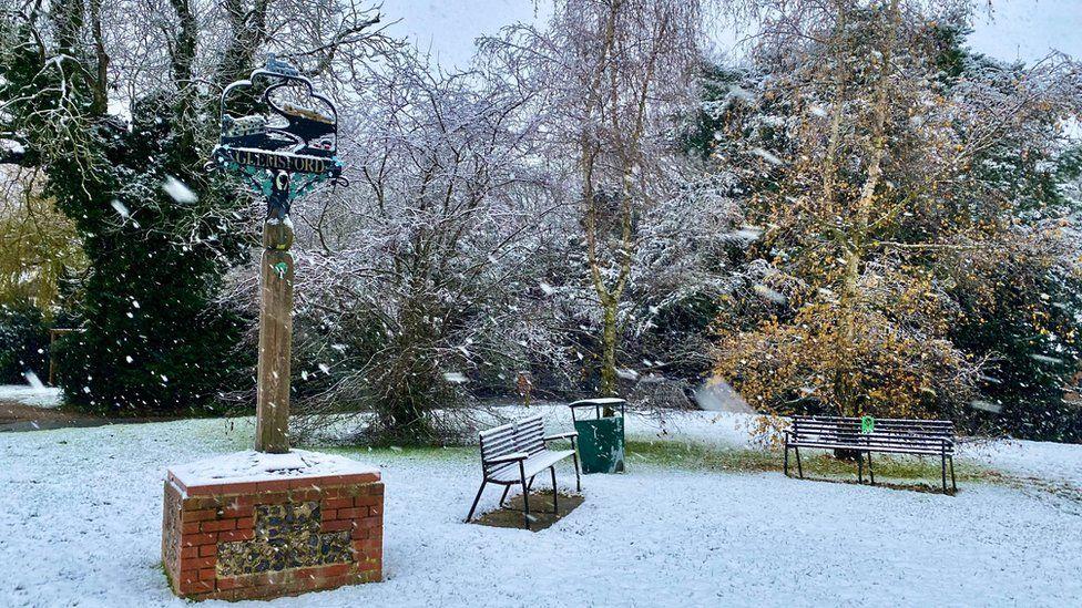 Snow in Glemsford