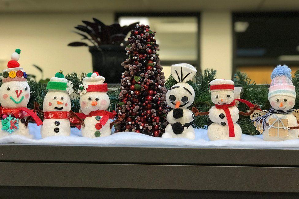 Snowmen on a desk