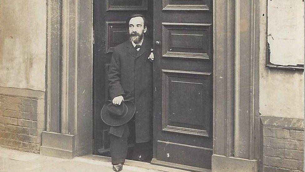 Rev Lucking Tavener, minister at Ipswich Unitarian Meeting House 1900 - 1908.