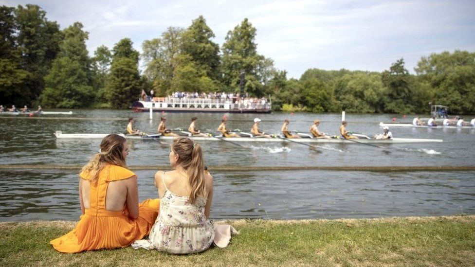 Henley Royal Regatta 2018 in pictures on first day - BBC News