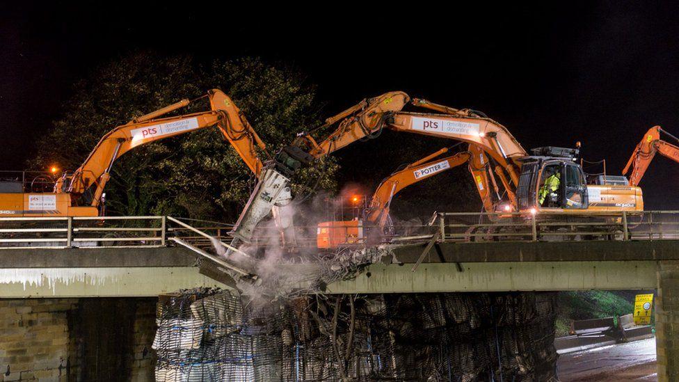 Demolition of Fort Bridge