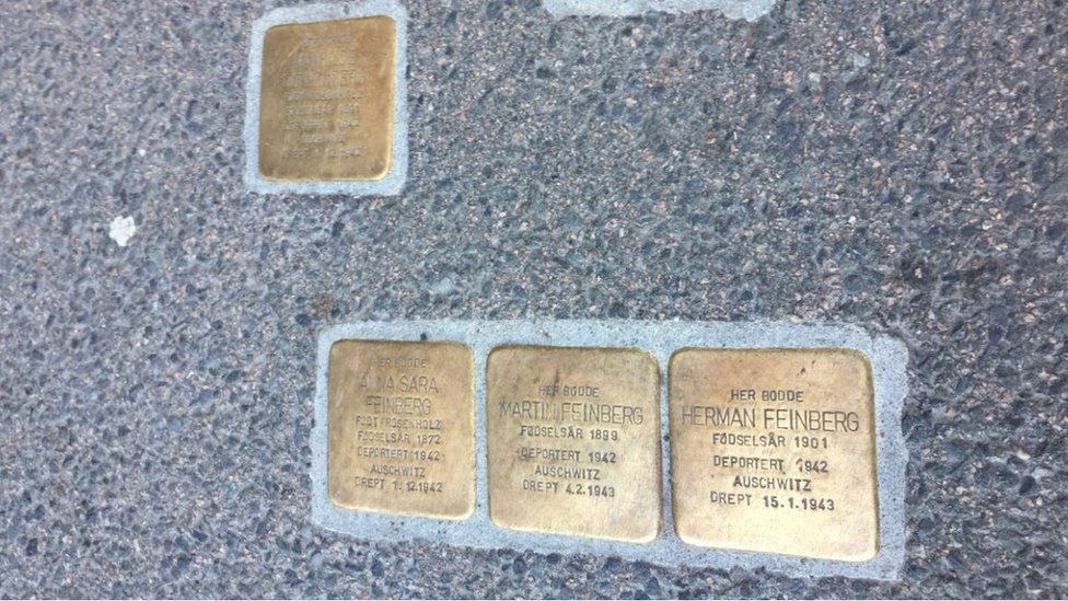 Many Jews in Norway lost their lives in the Holocaust. The Oslo Jewish Museum placed memory stones in the streets of Oslo to remember them