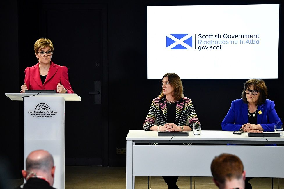 Nicola Sturgeon, Dr Catherine Calderwood and Jeane Freeman