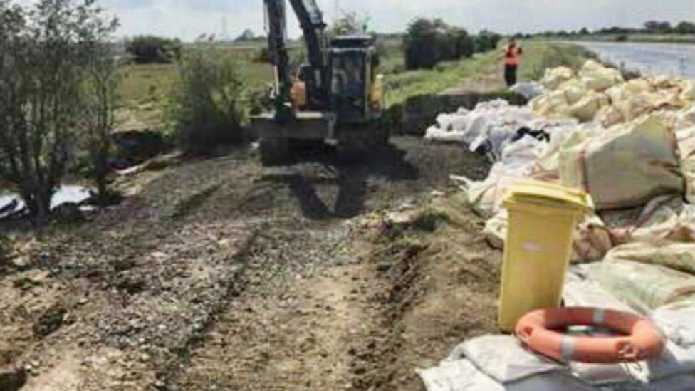Work on the River Steeping bank