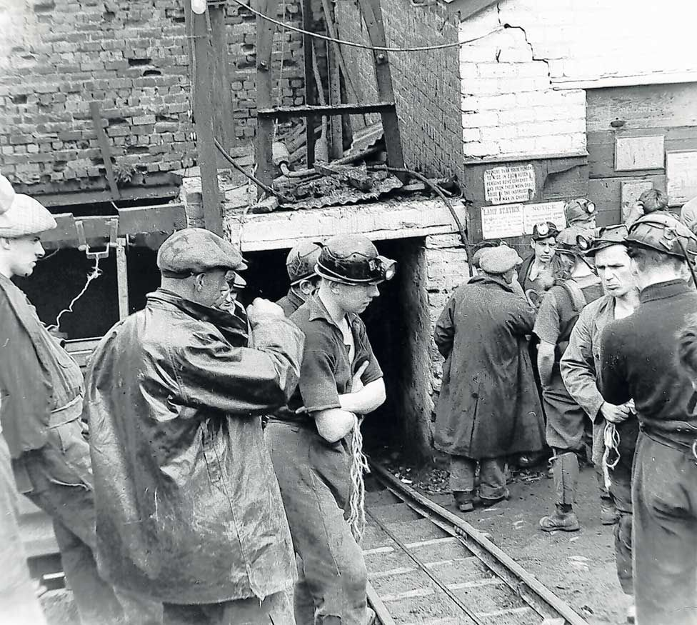 The great Knockshinnoch mine rescue - BBC News
