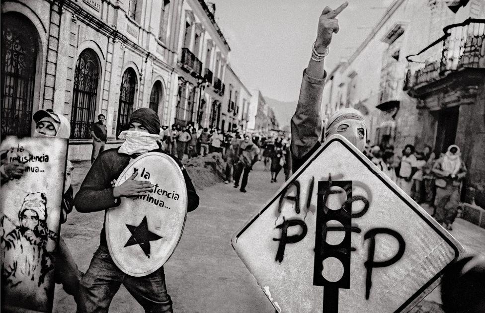 """""""Jóvenes guerreros"""", Oaxaca de Juárez, 2006."""