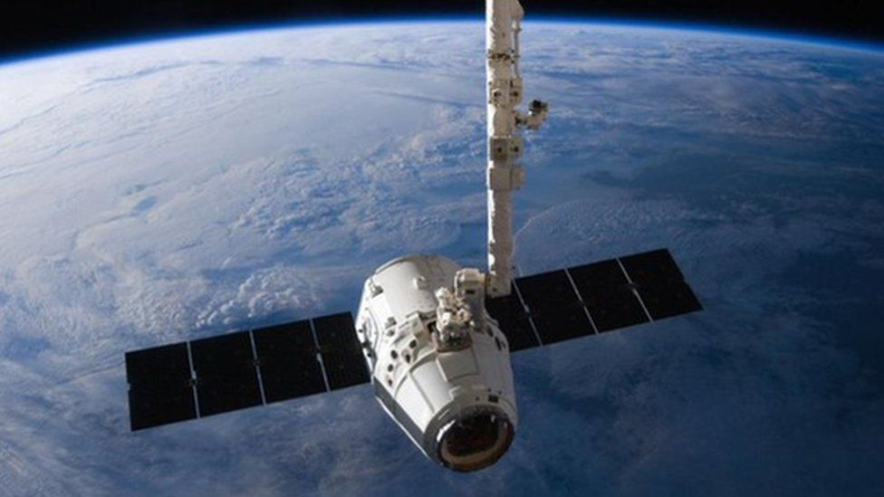 The SpaceX Dragon cargo capsule approaches the International Space Station in 2016