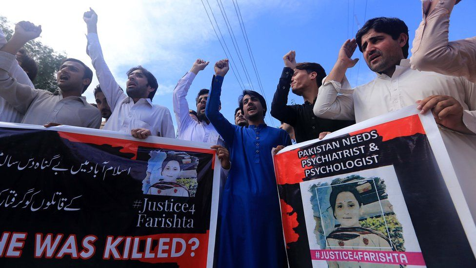 People rally to protest against the murder and alleged rape of a 10-year-old girl, Farishta, in Islamabad, in Peshawar, Pakistan, 21 May 2019.