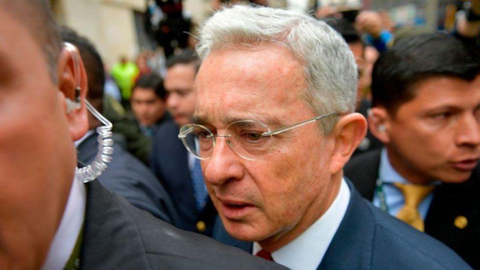 Álvaro Uribe: la Corte Suprema de Colombia vincula formalmente al expresidente al proceso de investigación por presunto fraude procesal y sobornos
