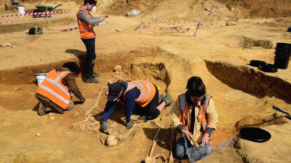 Cleaning and recording Roman burials