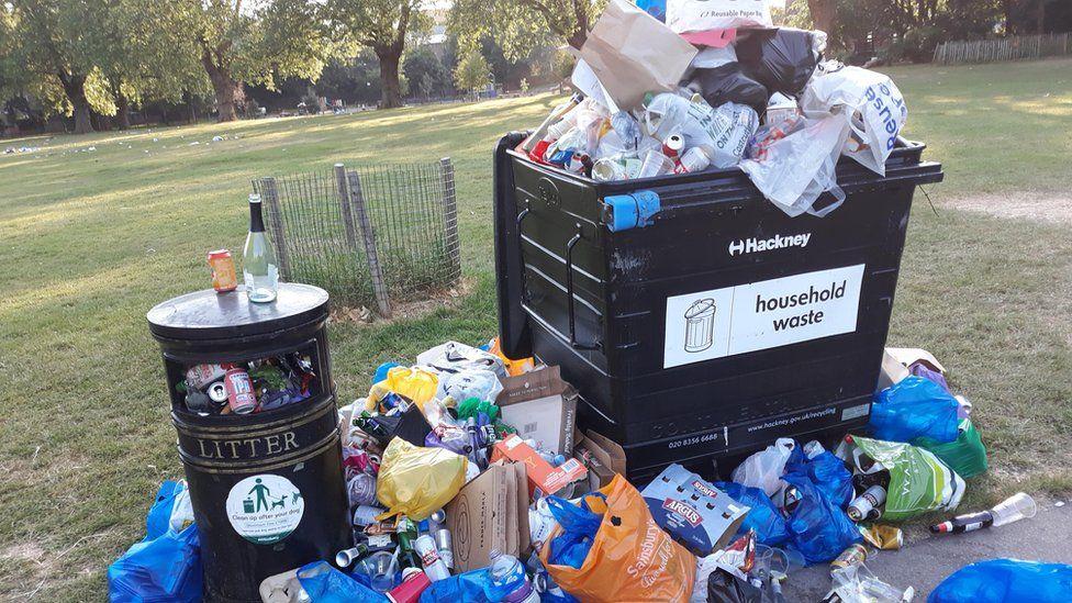 Overflowing litter bins