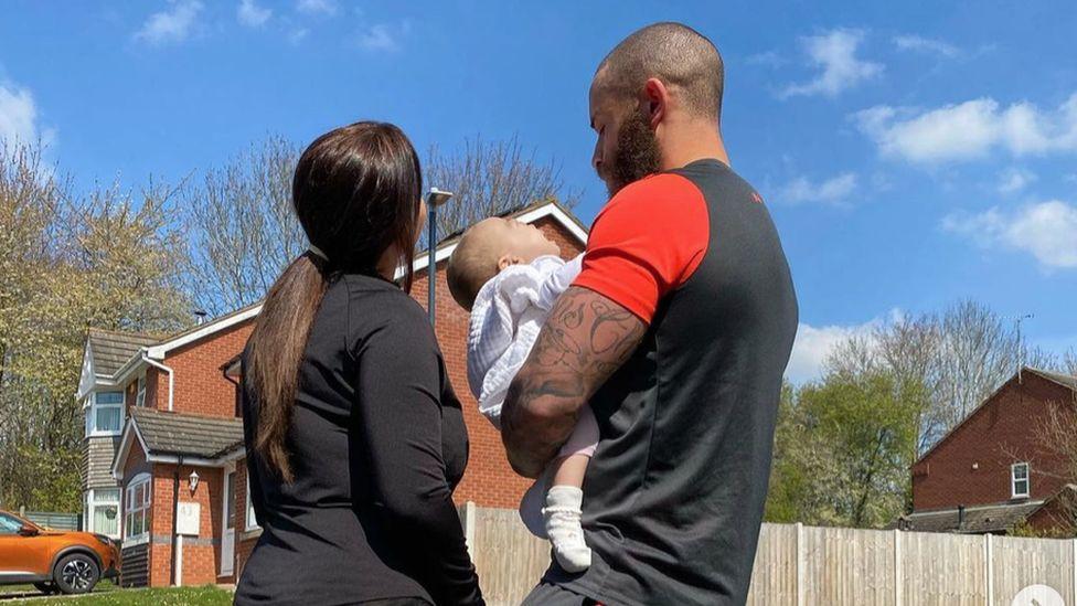 Ashley Cain and Safiyya Vorajee with baby Azaylia