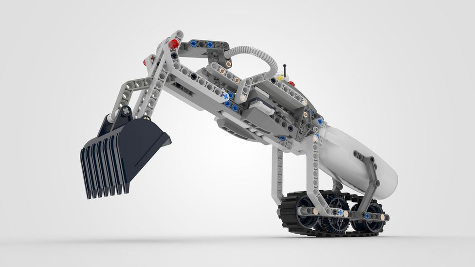 The IKO Creative Prosthetic System allows for a all kinds of Lego-based attachments