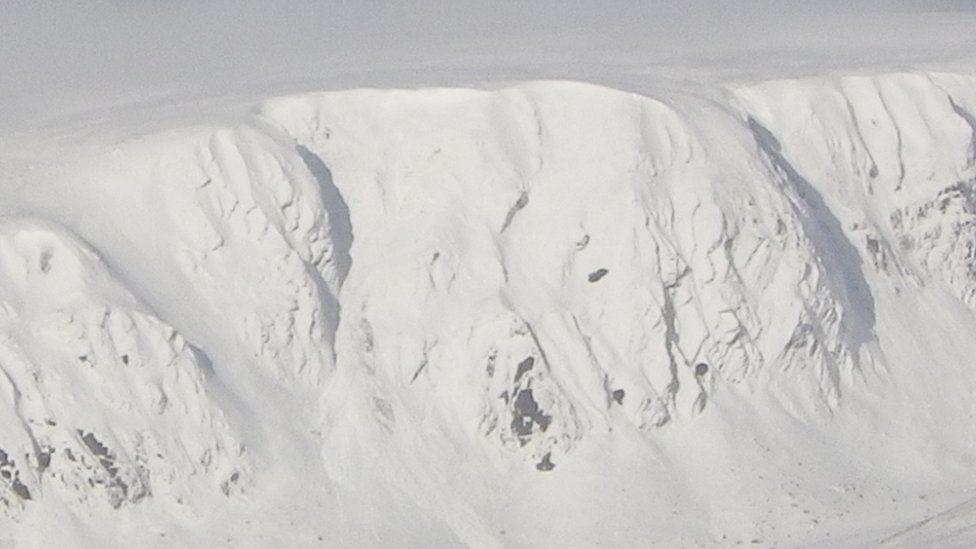 Fresh snow on Coire nan Gall