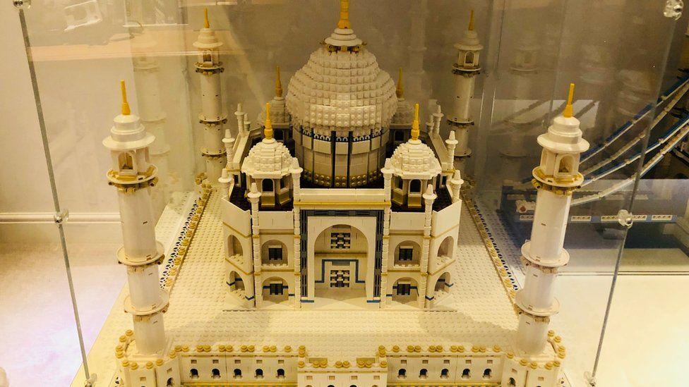 Un o greadigaethau Heddwyn Davies, y Taj Mahal