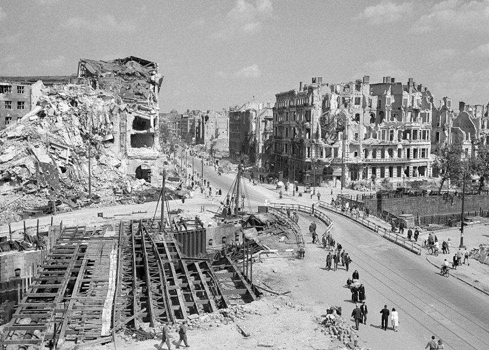Potsdamer Platz ruins, Aug 1945