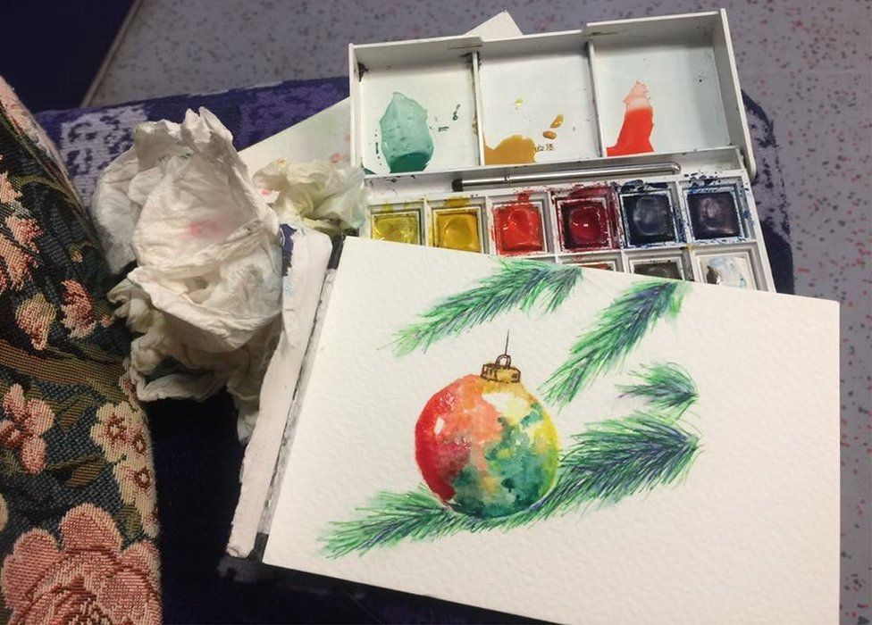 Lindsey Farquhar painted a bauble on the train