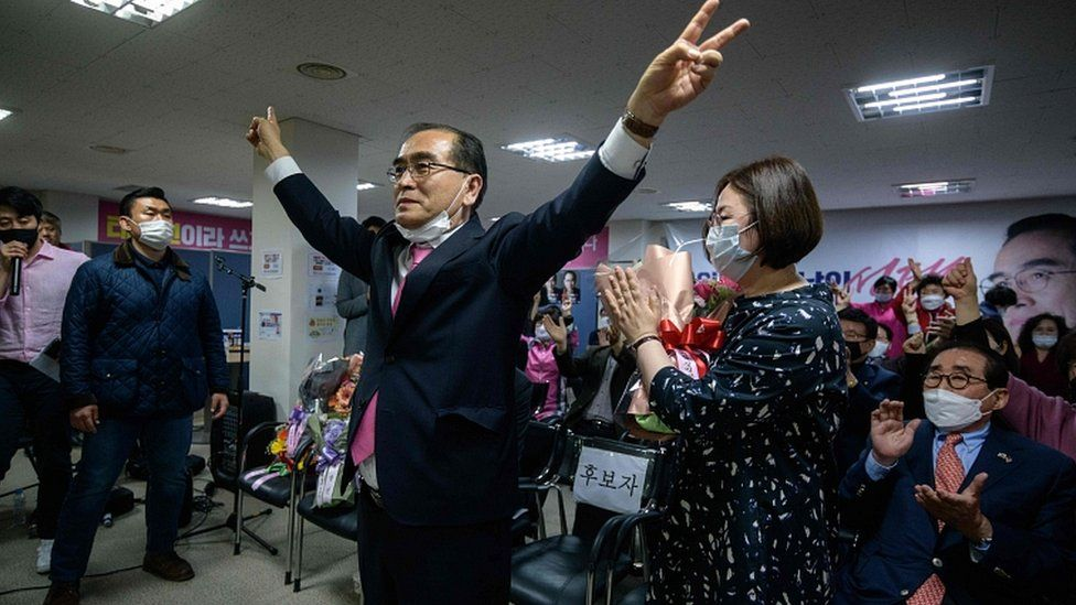 Defector and former North Korean diplomat Thae Yong-Ho gestures after securing a win for United Future in the Gangnam district of Seoul on April 16, 2020