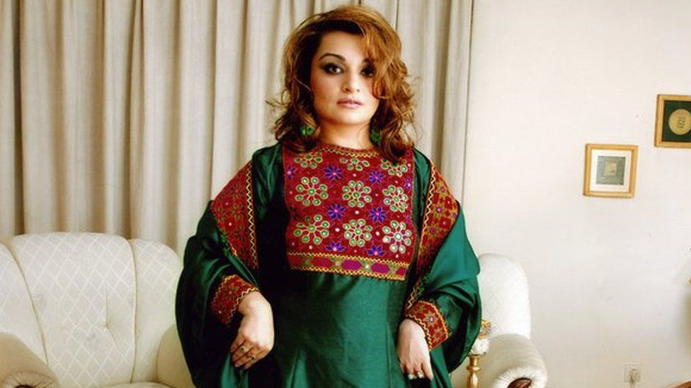 Tweeted photo of Dr Bahar Jalali in her traditional Afghan dress