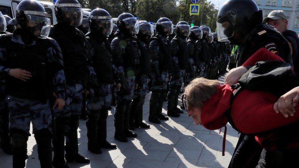 Дайджест: протестная активность в России может усилиться несмотря на давление властей