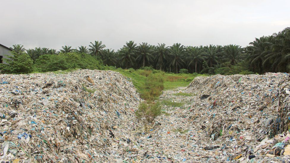 A dumpsite in Jenjarom