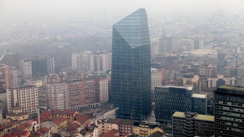 Milan smog, 26 Dec 15