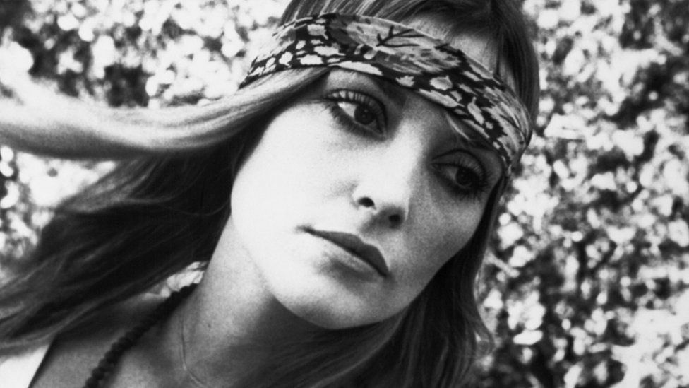 Archive picture of Sharon Tate with a head band on in black and white