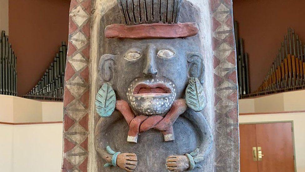 Mayan urn