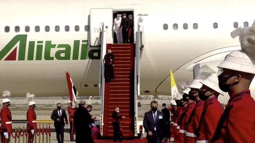 Pope Francis arrives in Baghdad
