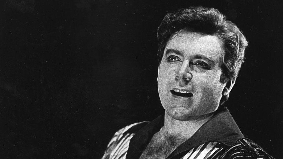 Peter Schreier performing at the Staatsoper Berlin in 1972