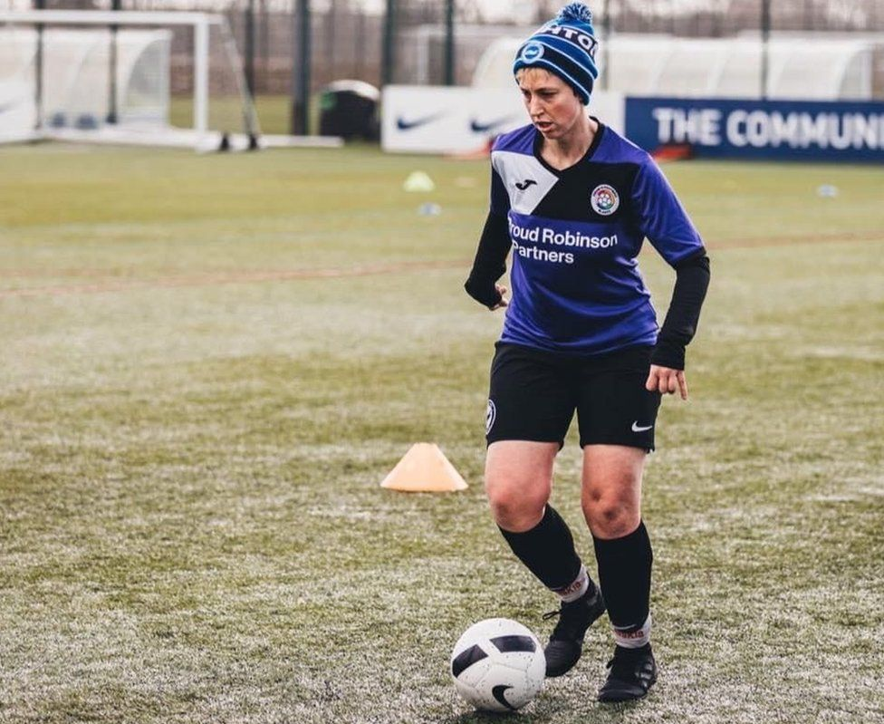 Saskia playing football