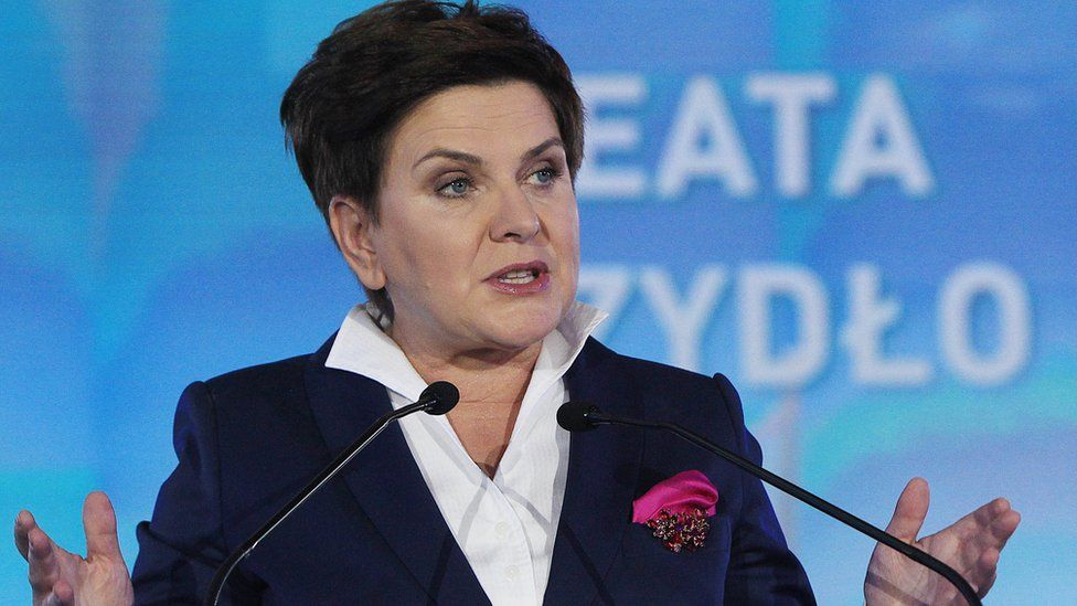 Beata Szydlo of PiS at party rally, 22 Oct 15
