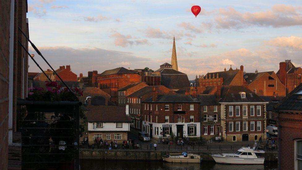 Balloon over York