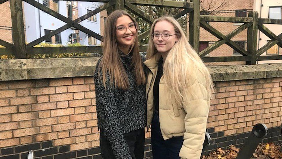 Ellie Cooper (L) and Caitlin Allen