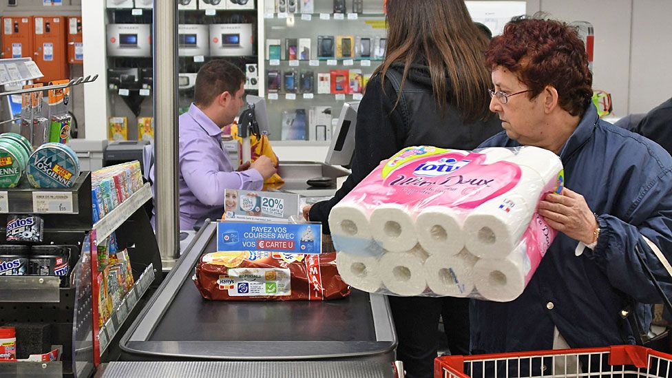 Supermarket workers