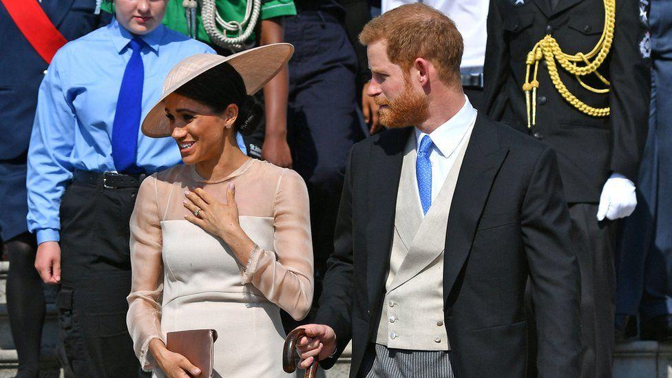 Гарри и Меган: первый выход в свет после свадьбы