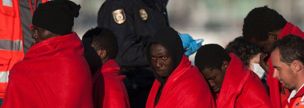 Migrants are brought to shore in Málaga after a coastguard rescue in March 2017