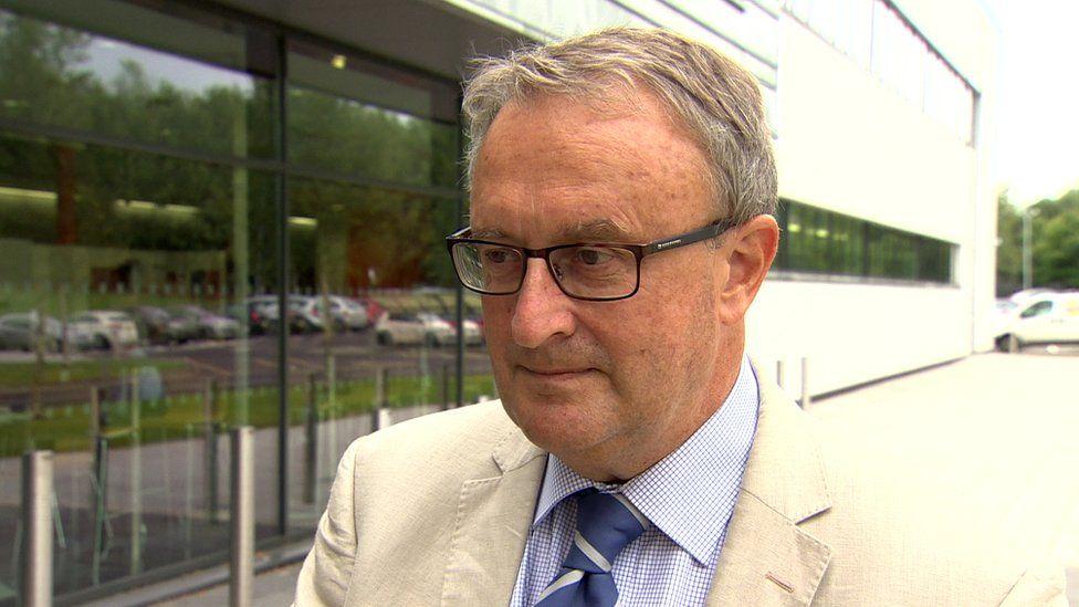 Prof Kevin Davies