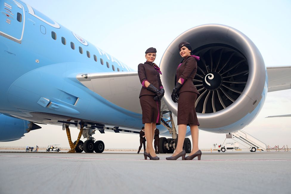 The Boeing Dreamliner does not take cabin air from the engine
