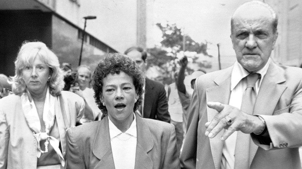 Prosecutors Linda Fairstein (L) and Elizabeth Lederer leaving court in 1990