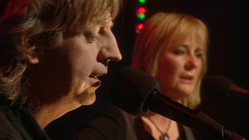Bap Kennedy performing with this wife Brenda.