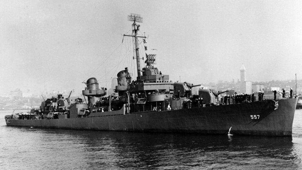 USS Johnston (DD-557) off Seattle or Tacoma, Washington, 27 October 1943