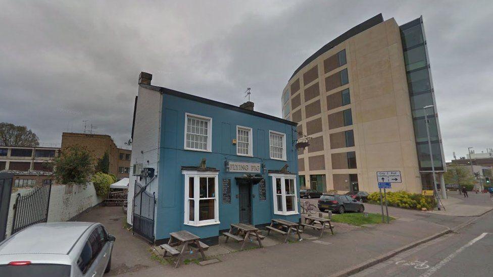 Cambridge's 'Pink Floyd' pub Flying Pig saved from demolition - BBC News