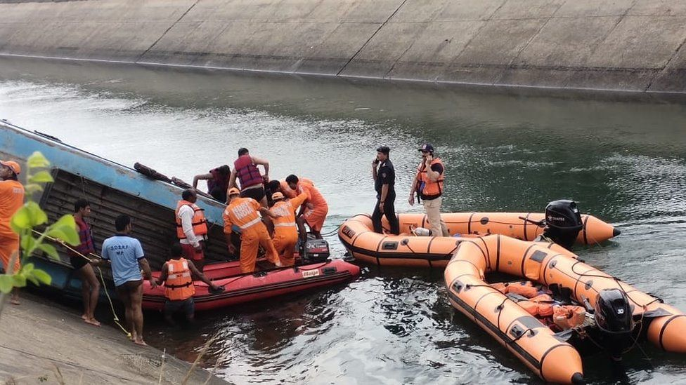 Rescue teams are still looking for passengers