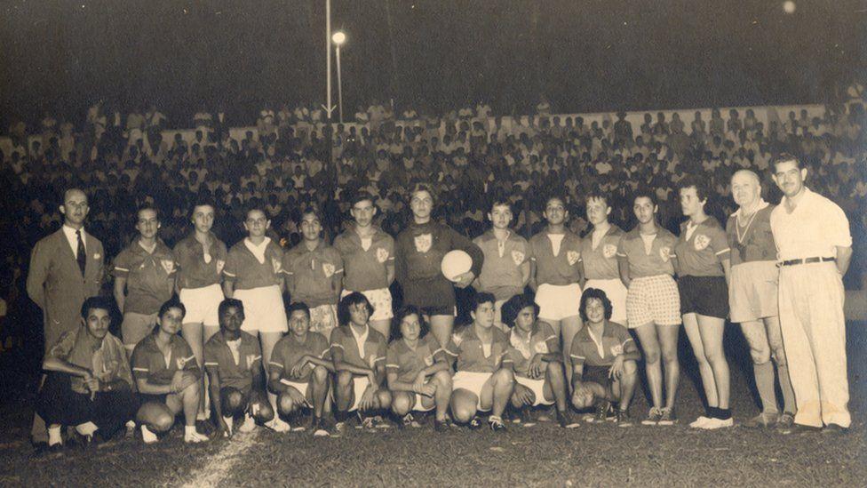 Copa do Mundo de Futebol Feminino: a trajetória de pobreza, preconceito e descrença antes de Formiga e Marta