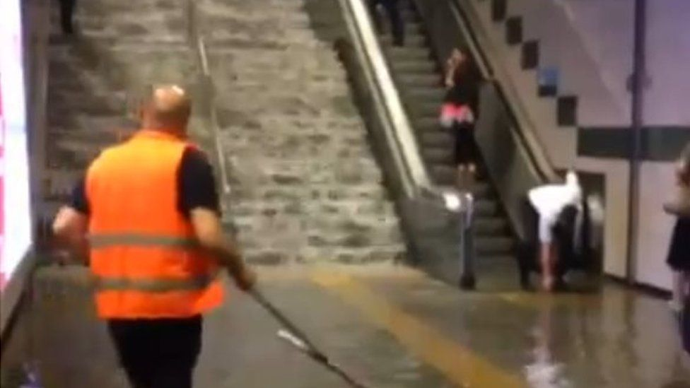 Flooding in the Istanbul metro