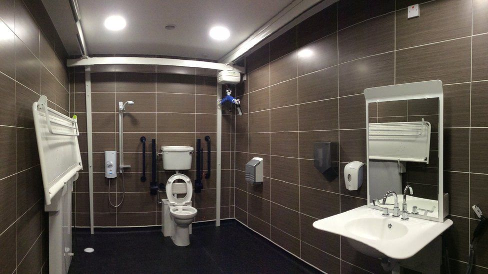 Glasgow Central Station changing places toilet